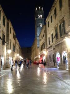 Sind die Kreuzfahrtschiff-Herden mal weg, zeigt die Stradun von Dubrovnik erst ihren Charme
