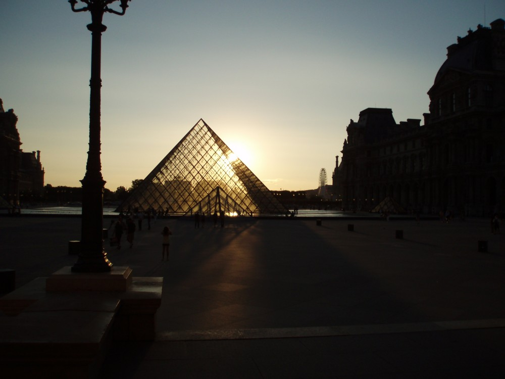 Platz 37: Louvre, Paris