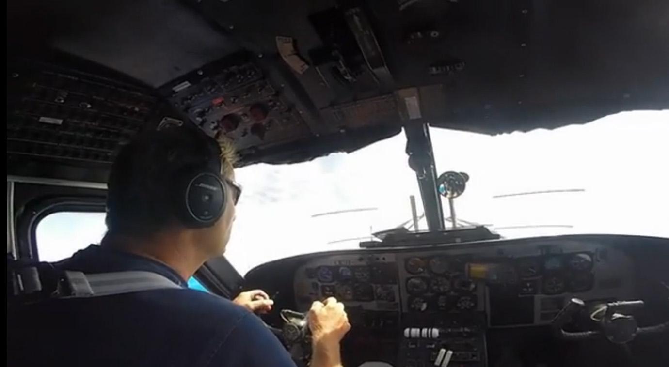 Der Pilot bringt uns noch höher hinauf.