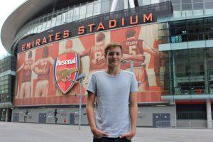 Arsenal-Tour: Wo Männer zu kleinen Kindern werden