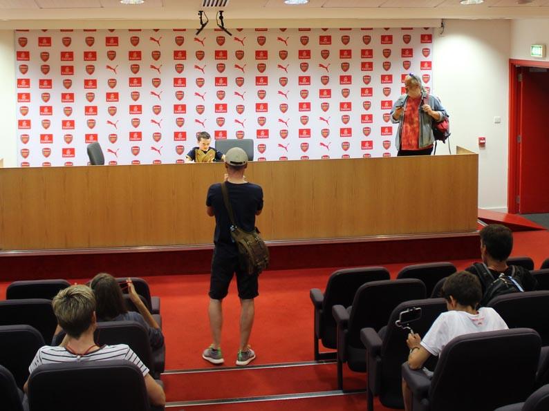 Pressekonferenz-Saal