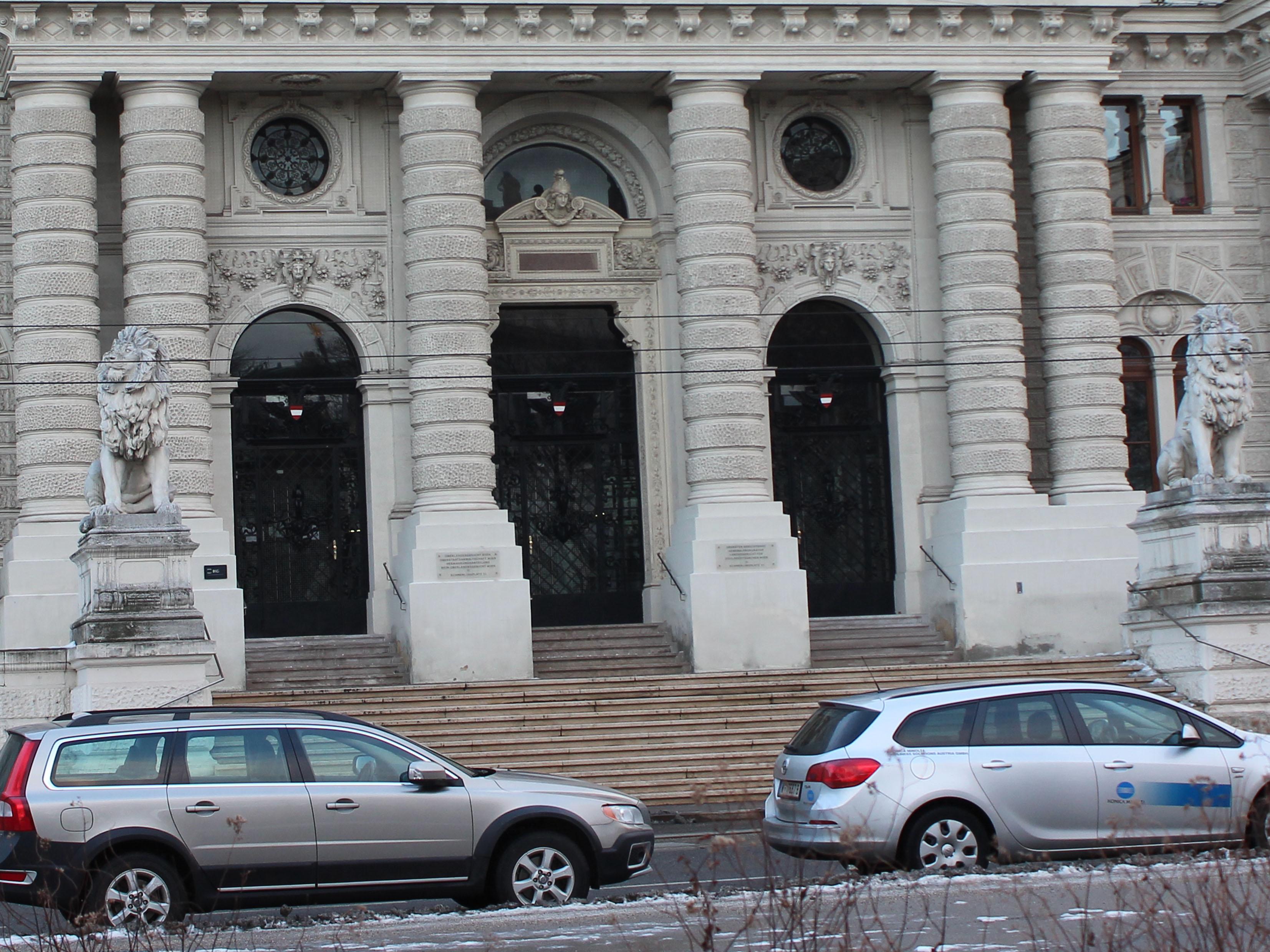 Auch ein Schauplatz in  Andreas Grubers Racheherbst: Der Justizpalast