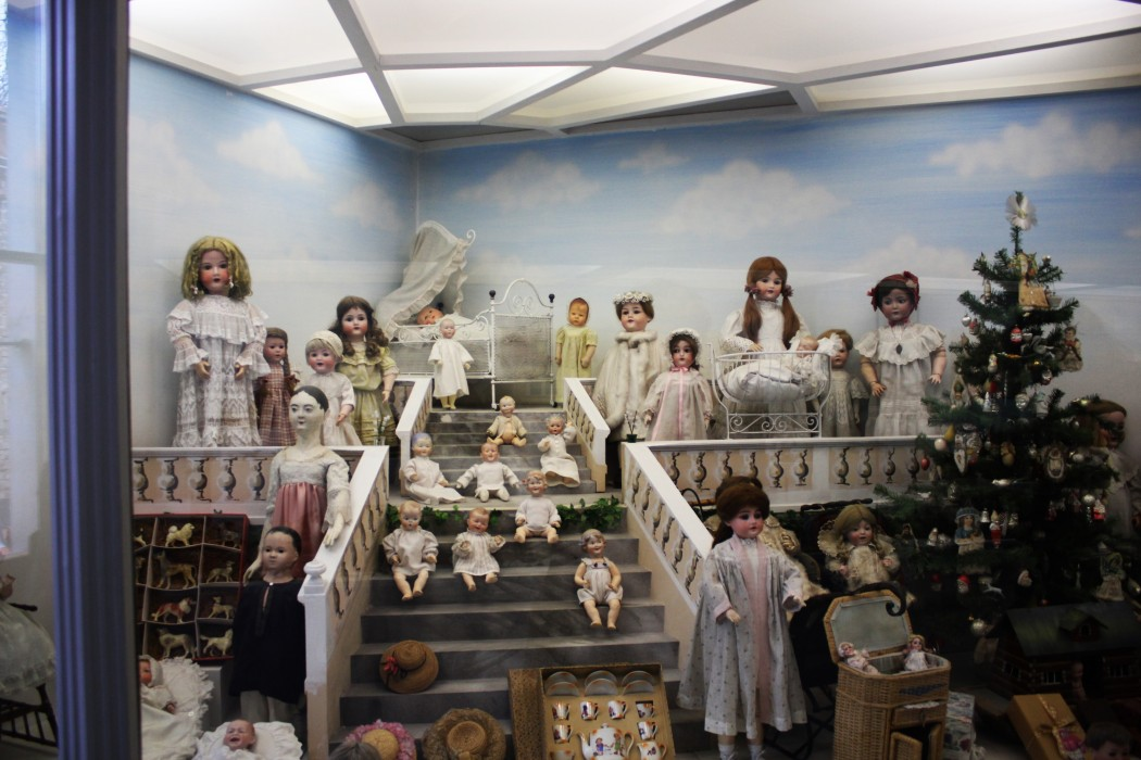Puppen im Spielzeugmuseum