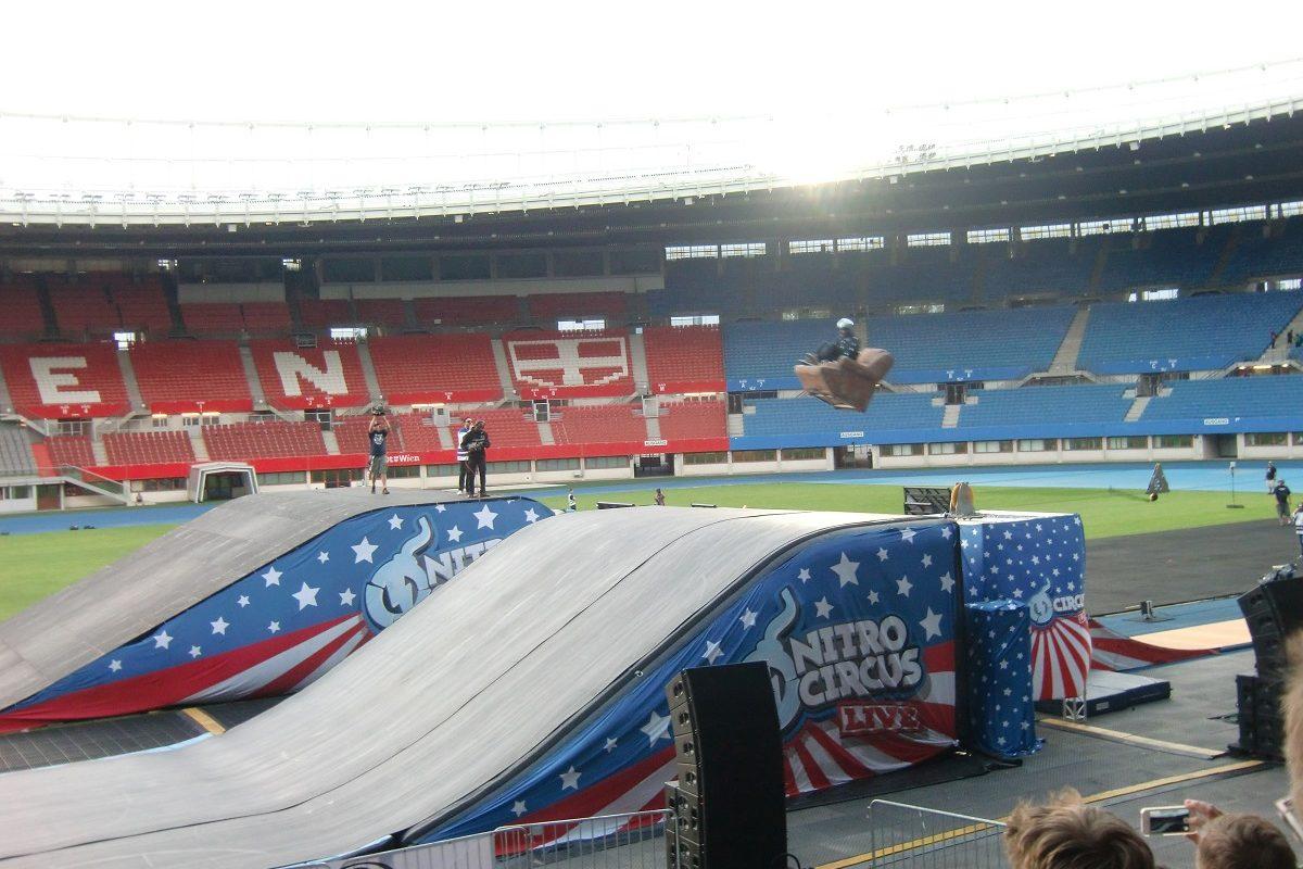Wo Sofas fliegen lernen – der Nitro Circus in Wien