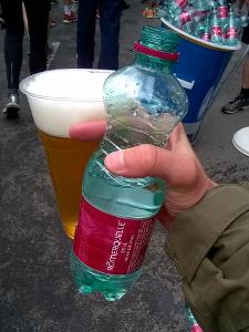 Wasser und alkoholfreies Bier im Ziel - einfach ein Traum.