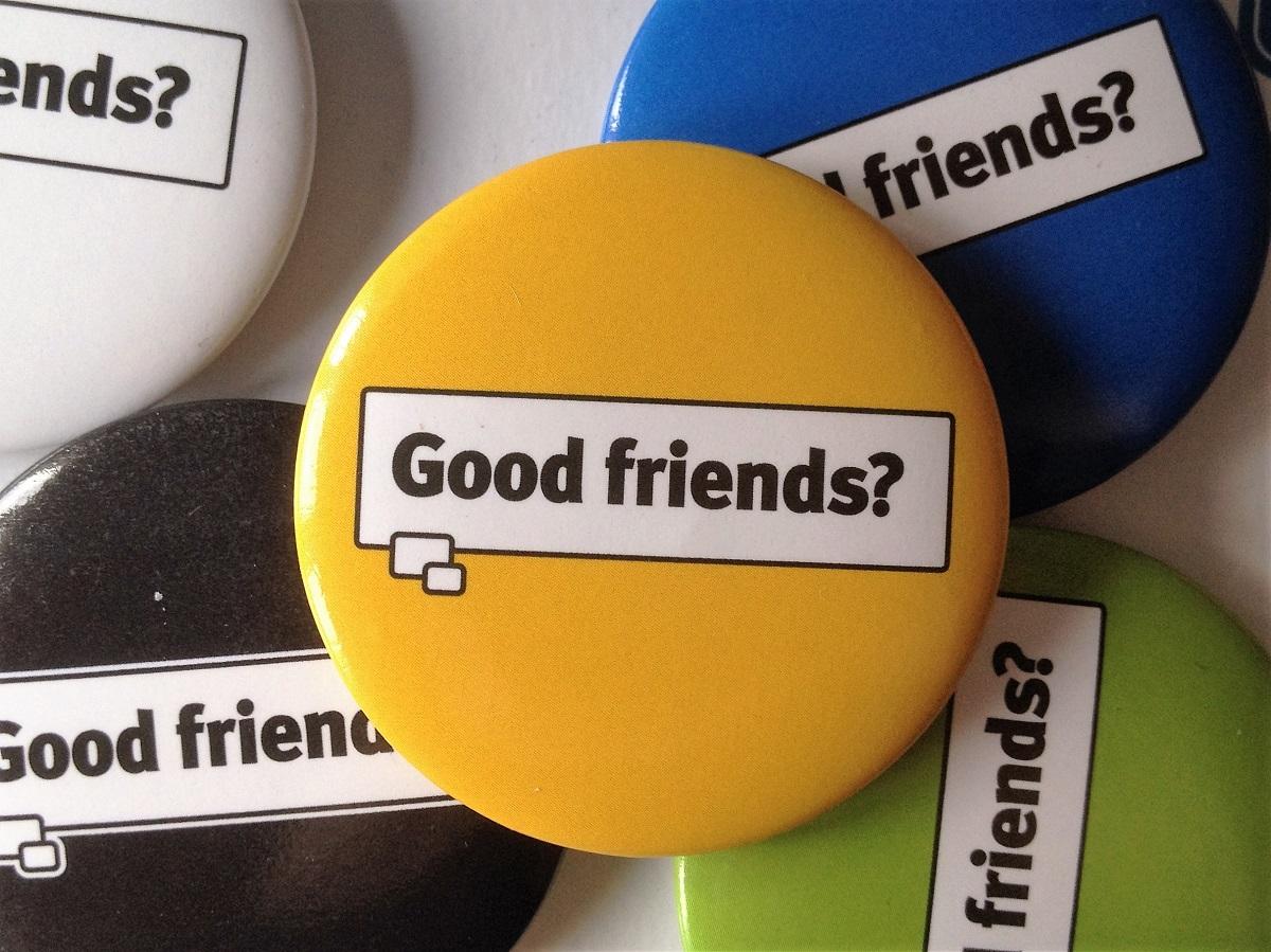 good friends?, spieleabend, gesellschaftsspiel, buttons, spielerbuttons, test, fazit