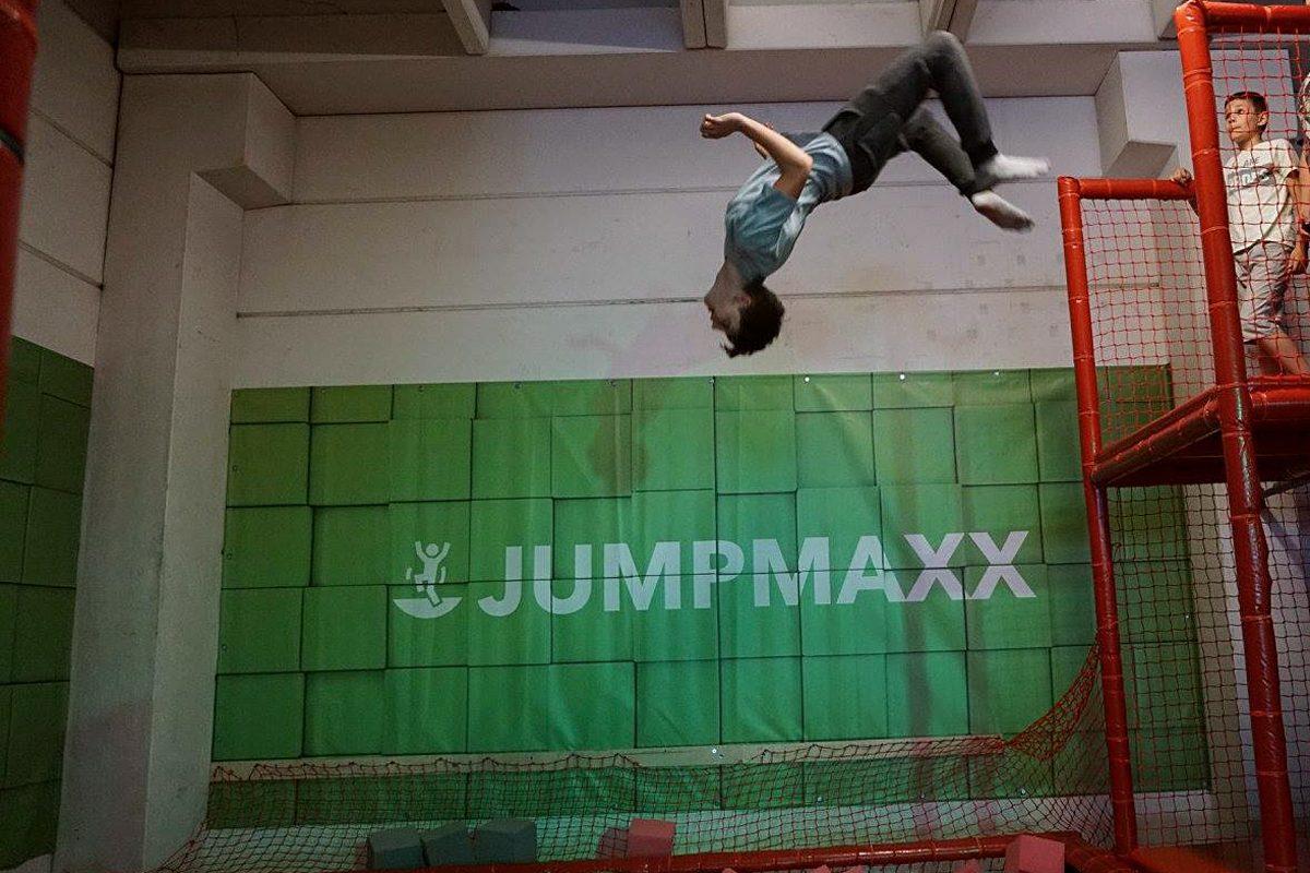JumpMAXX: Auf einen Sprung im Trampolin-Paradies