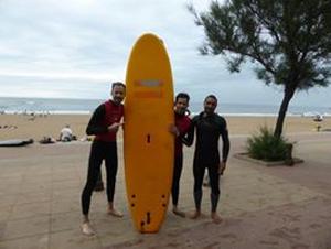 Die 30 Euro für zwei Surf-Stunden waren gut investiert.