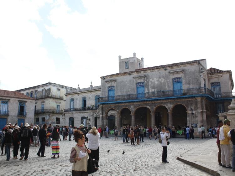 Der Plaza Vieja in Havanna