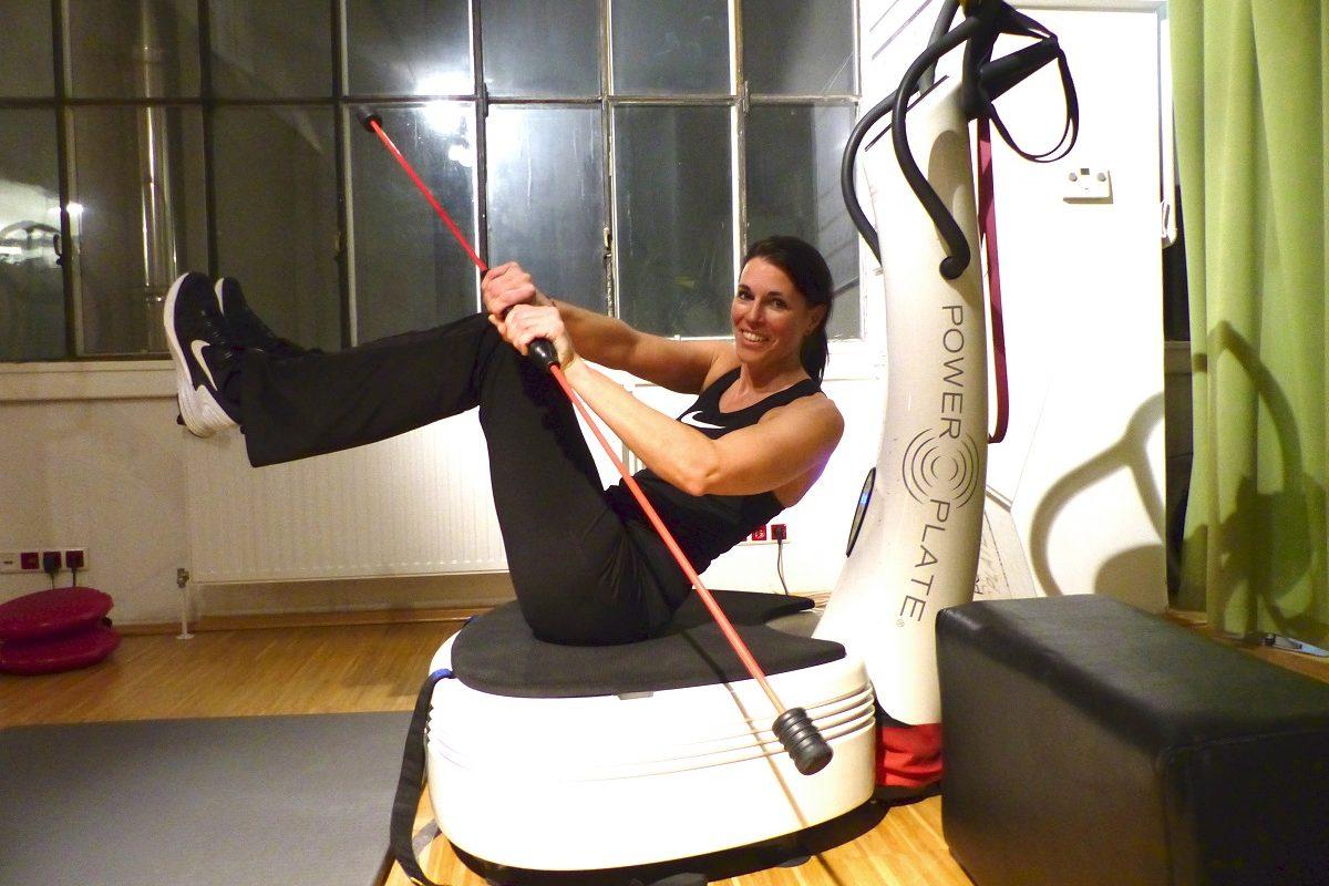 Lass deine Muskeln vibrieren! Trendsport Power Plate im Test