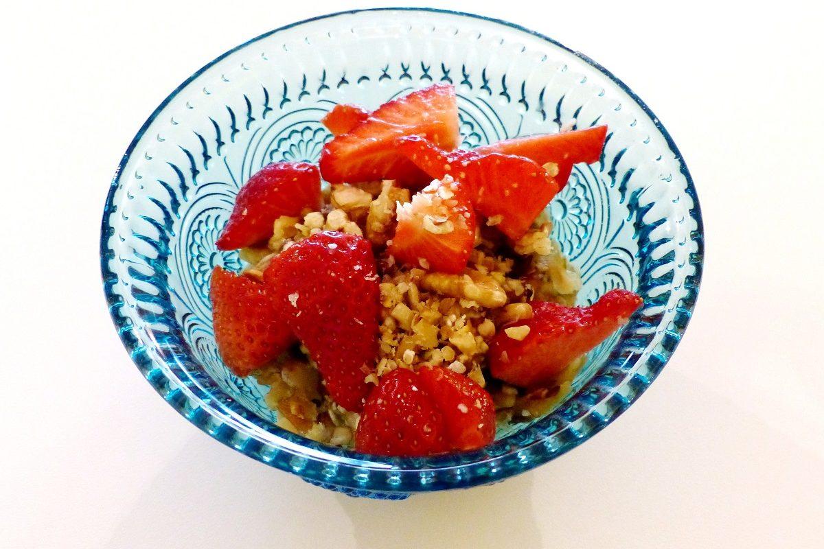 Mit Power den Tag starten! Das Apfel-Erdbeeren-Müsli