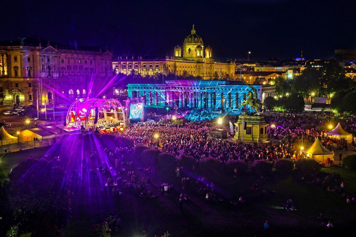 Fest der Freude Heldenplatz – Wien feiert Ende der Nazi-Herrschaft