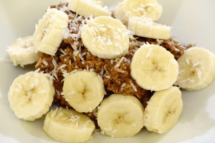 Mit Power den Tag starten! Das Bananen-Kakao-Porridge