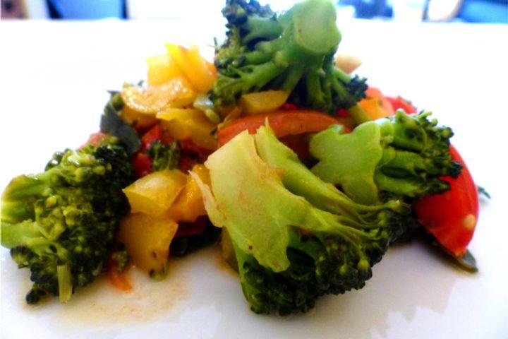 Essen gegen Heuschnupfen! Die Brokkoli-Paprika-Bowl