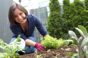Mein erster eigener Kräutergarten – 6 Tipps für Gartenanfänger