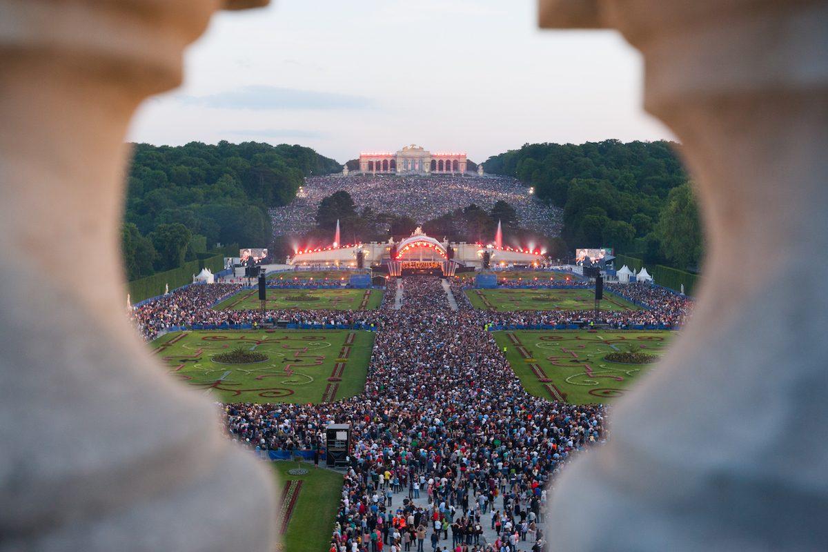 Sommernachtskonzert 2017: Die Wiener Philharmonikerin Schönbrunn