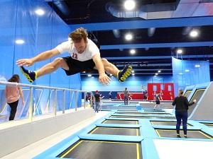 fliplab, eroeffnung, wien, schwechat, trampolin, park, trampilon-park, parkour, halle, multiversum, helden der freizeit