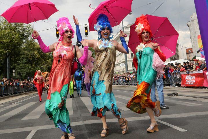 Regenbogenparade und Vienna Pride 2017: Party mit pinken Pumps