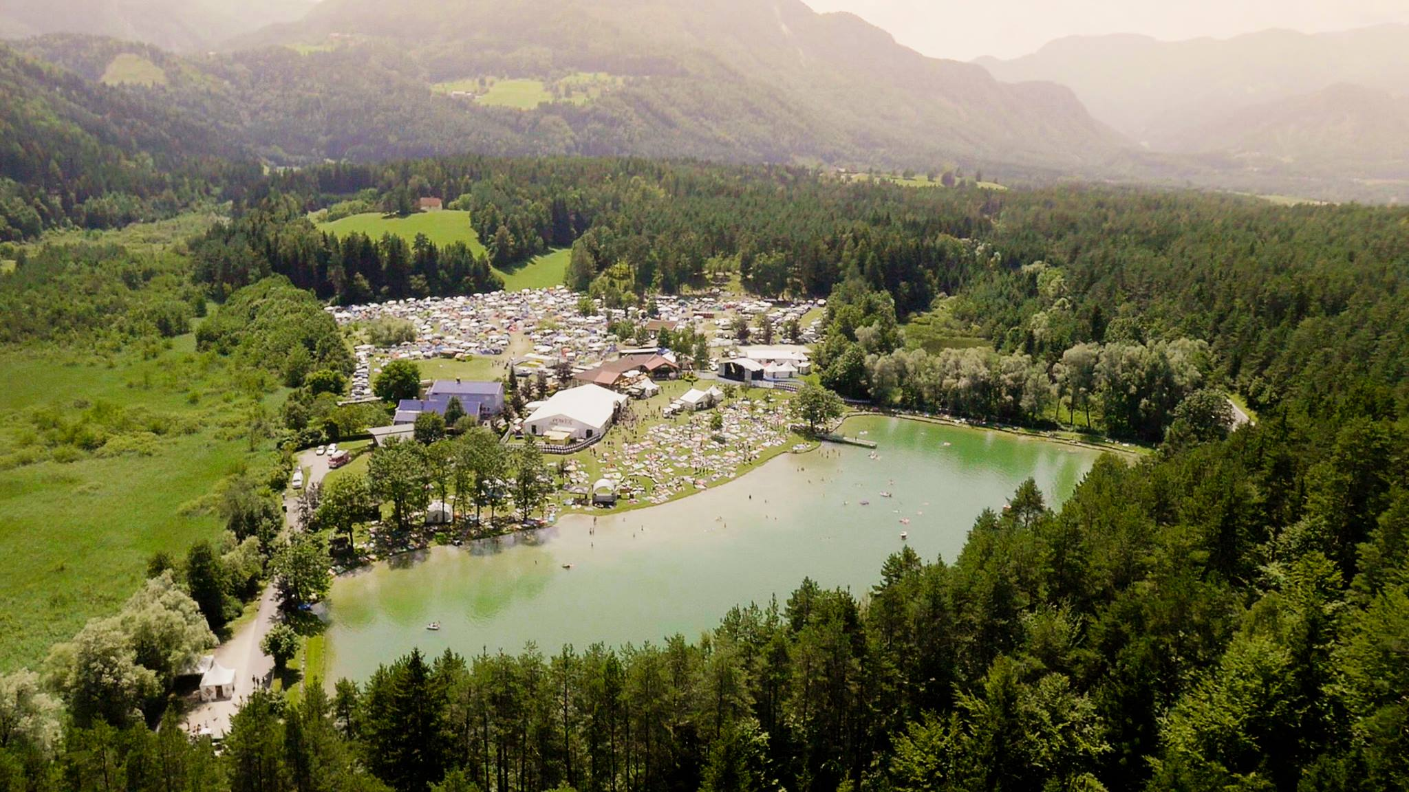 acoustic lakeside, location, luftansicht, sonnegger see, sittersdorf, festival, oesterreich
