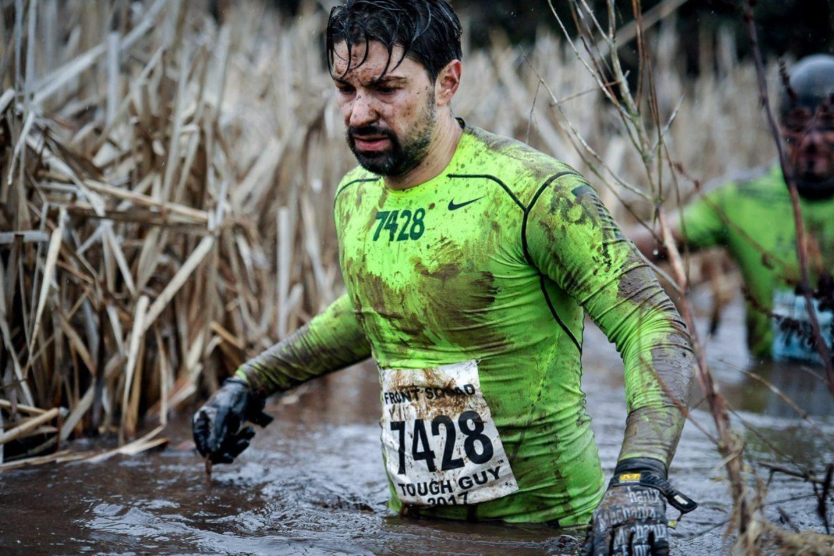 Tough Guy Race – ein Held beim härtesten Hindernislauf der Welt