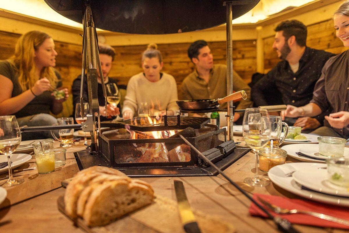 Das Feuerdorf ist zurück! Grillen im Winter mitten in Wien