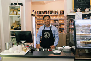 Café Latte Art, Barista, Profi, Wien, Habib Ghulamsakhi