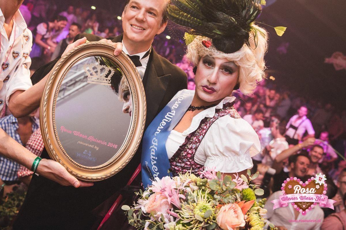 Schräg, schrill und legendär – das Rosa Wiener Wiesn-Fest 2017