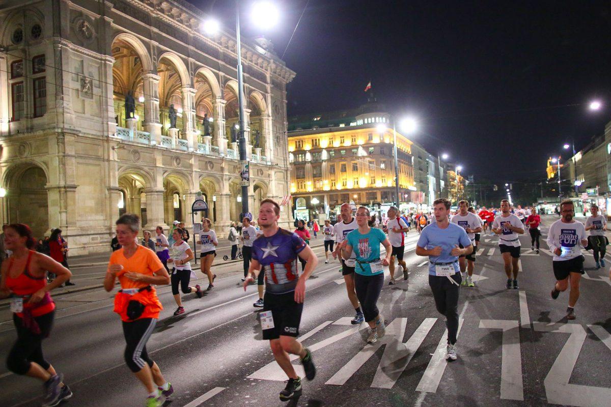 Vienna Night Run: Ein Nachtlauf bringt Licht für die Welt