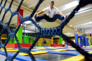 Knallbunter Hüpfwahnsinn! Wiens größter Trampolinpark im Test