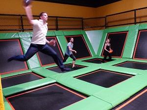 trampolinpark, wien 23, jumpmaxx, dodgeball, helden der freizeit