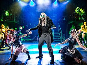 rocky horror show, 2017, wien, gary tushaw, mq, musical, bühnenbild