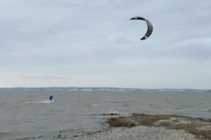 Kitesurfer, Neusiedler See, Österreich, Winter