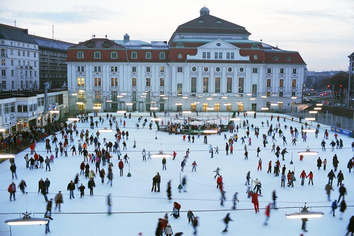 Wiener Eislaufverein feiert Neujahr: Eislaufen zu Strauss