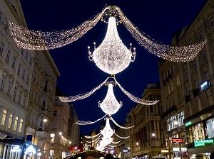 wien, graben, freiluft ballsaal, kronleuchter, weihnachtsbeleuchtung