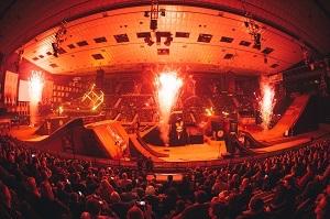 masters of dirt, stadthalle wien, all in, show, motorräder, stunts, feuer, feuershow