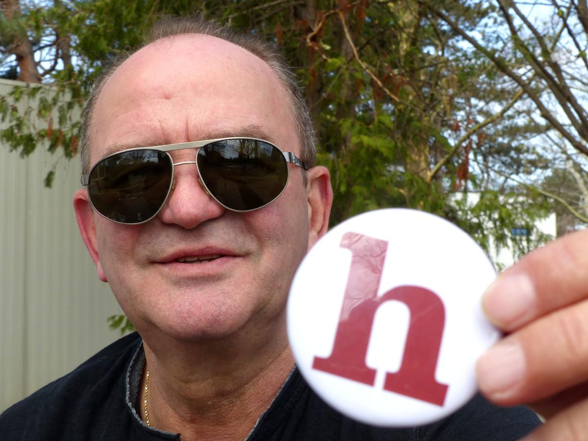 Herbert Prohaska, Sonnenbrille, Helden der Freizeit, Logo