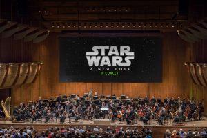 star wars in concert, star wars, leinwand, orchester, dirigent. publikum