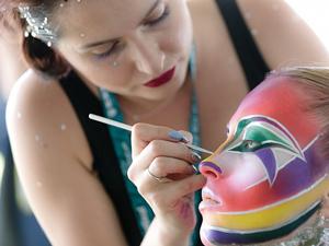 Bodypainting, Festival, Klagenfurt, Körperkunst, Show, World Bodypainting Festival, Frau, Wettbewerb, Bemalen, Pinsel