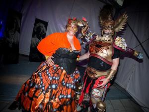 Festival, Klagenfurt, Body Circus, Freaks, Mann, Frau, Kostüm, Superheld, Party