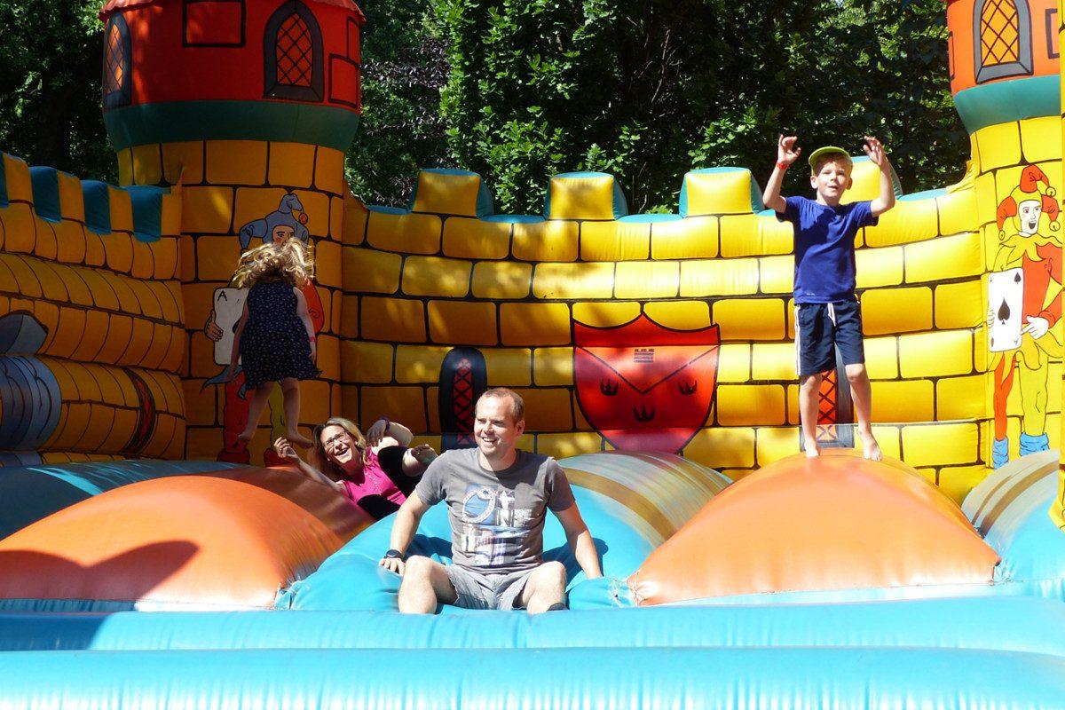 Luftburg im Prater – ein Tag mit Spiel & Speis im Kult-Lokal
