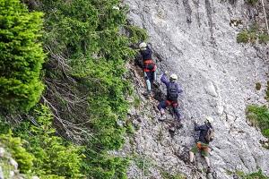 Klettersteig Leopoldsteinersee : Ewige wand und leadership klettersteig am