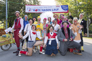 rote nasen lauf 2018, clowns, start, gruppenbild