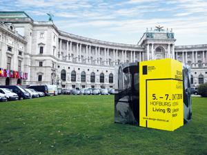 Design-Events, Design District 1010 Wien, Heldenplatz, Nationalbibliothek, Werbetafel, Werbung, Plakat, Autos, Wiese, blauer Himmel
