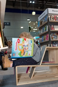 leseecke, buch wien, kinderbuchbereich, lesendes kind