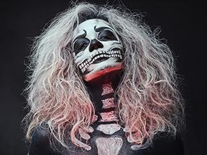 halloween partys 2018, wien, verkleidung, kostüm, skelett, teufel, hexe