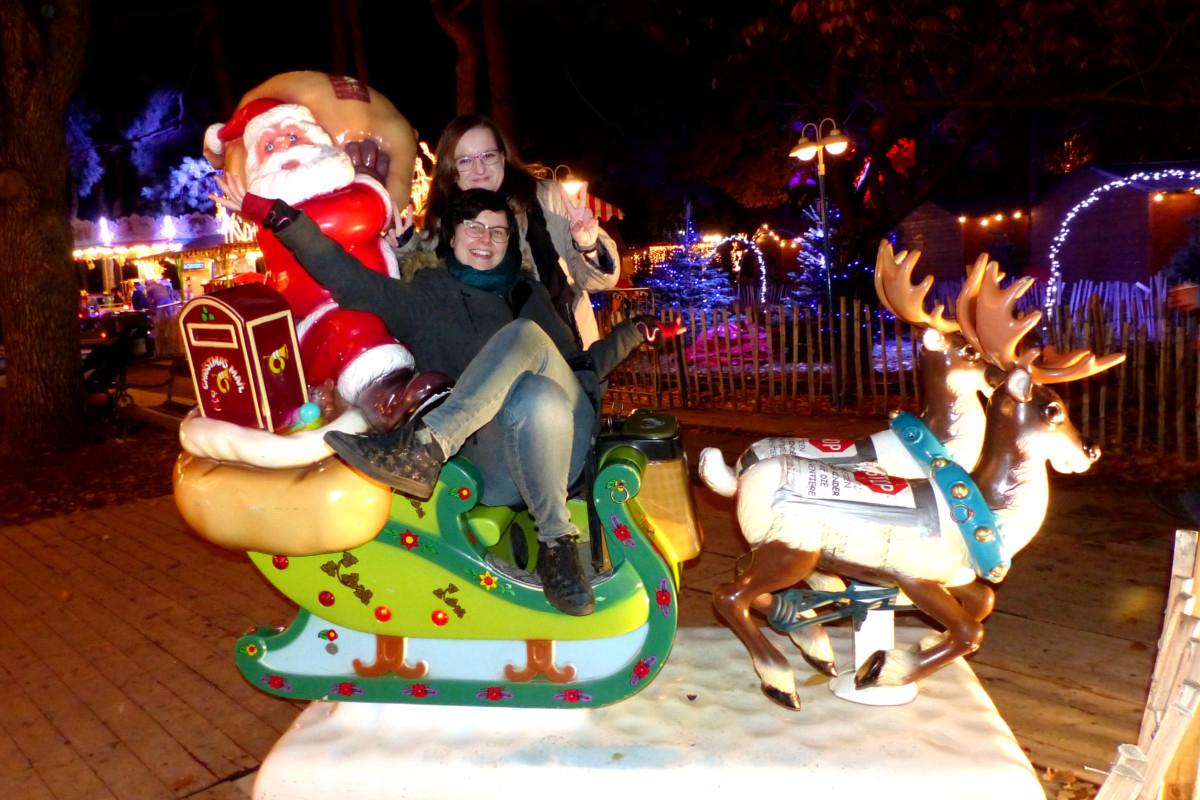 Weihnachtsmarkt altes akh, christkindlmärkte, frauen, weihnachtsmann, rentiere
