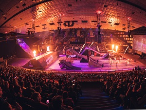 Stadthalle, Feuer, Masters of Dirt, Show