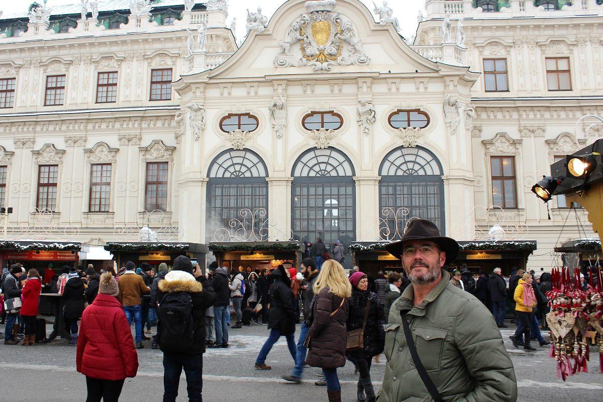 Christkindlmarkt Schloss Belvedere im Test – Punsch mit Stil