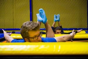 trampolin, yoga, bauchlage, jumpmaxx, socken