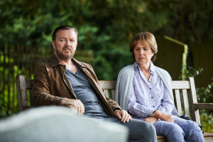after life, ricky gervais, penelope wilton, parkbank, friedhof,